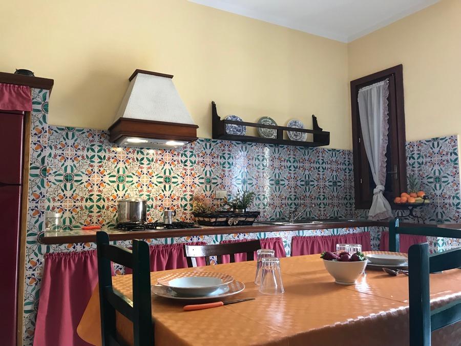 Cucina soggiorno attrezzata