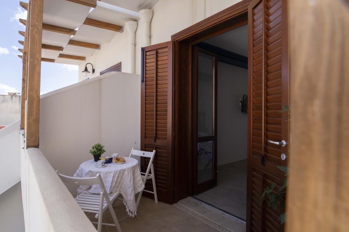 Ingresso camera e balcone